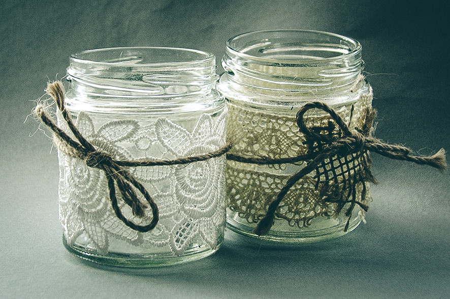 Jam jar tea lights: Jam jars trimmed with vintage style lace, hessian and  jute - perfect to light up